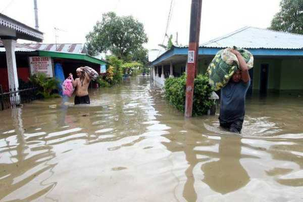 இந்தோனேசியா- வெள்ளப்பெருக்கு, நிலச்சரிவில் சிக்கி 31 பேர் பலி