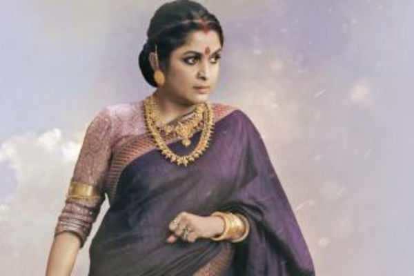 ஜெயலலிதாவாக நடிக்கிறார் ராஜமாதா :எதில் தெரியுமா?
