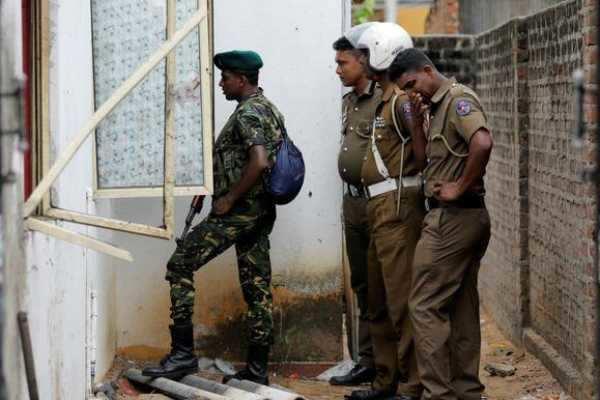 இலங்கை குண்டுவெடிப்பு:  மூளையாக செயல்பட்டவர்கள் சுட்டுக்கொலை