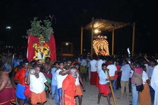 குலசேகரபட்டினம் முத்தாரம்மன் கோவில் தசரா திருவிழா !