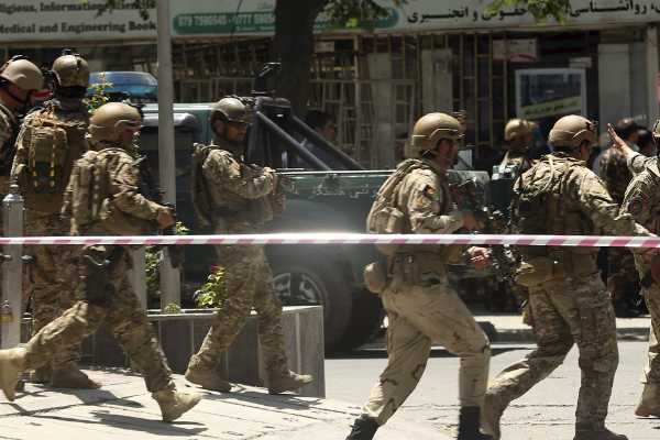 ஆப்கானில் தலிபான் தீவிரவாதிகள் பயங்கரத் தாக்குதல்; 30 வீரர்கள் பலி