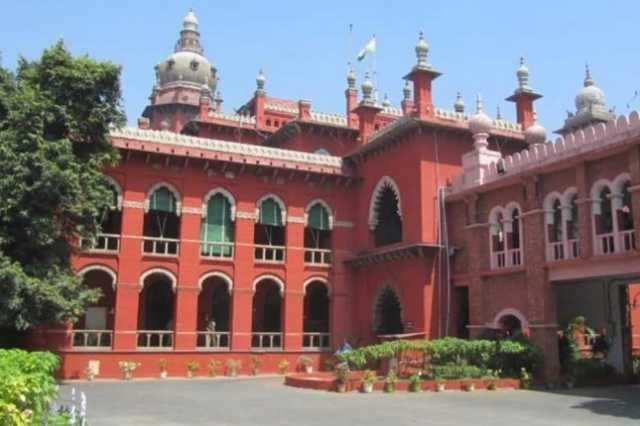 அதிகாரிகள் அரசின் ஊதுகுழலாகவும், பொம்மைகளாகவும் உள்ளனர்: சென்னை உயர்நீதிமன்றம்