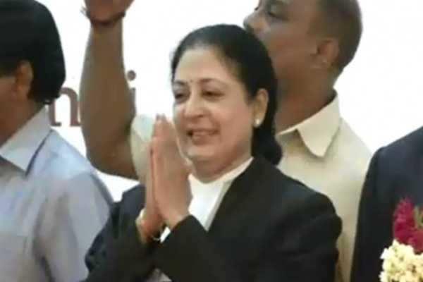 சென்னை உயர்நீதிமன்ற தலைமை நீதிபதி தஹில் ரமணி ராஜினாமா!