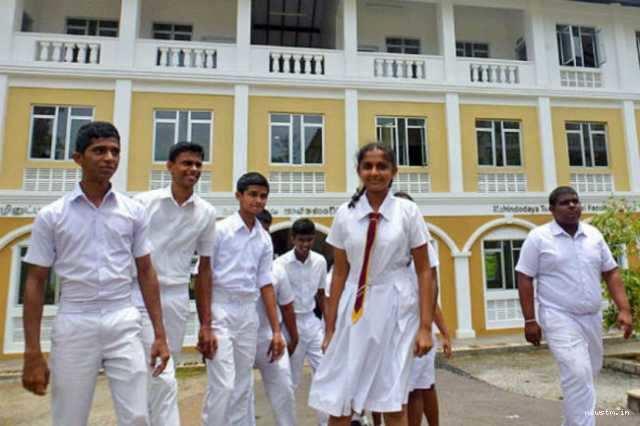 உள்ளூராட்சி தேர்தலை முன்னிட்டு பள்ளிகளுக்கு விடுமுறை