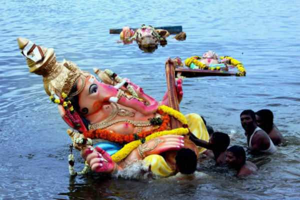சென்னையில் 1400 விநாயகர் சிலைகள் விஸர்ஜனம்!