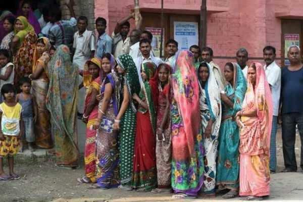 மக்களவைத் தேர்தல்: 4-ஆம் கட்ட வாக்குப்பதிவு தொடங்கியது !