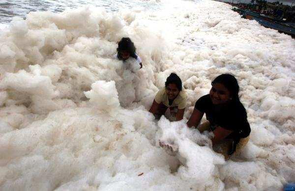 மெரினா பீச்சில் நடந்த அதிசயம்...உற்சாகமடைந்த பொதுமக்கள்...!