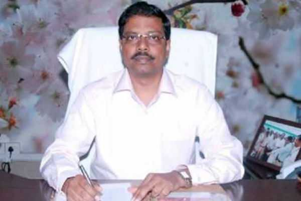 குக்கர் சின்னம் ஒதுக்குவது குறித்து குறிப்பிட்டதேர்தல் அதிகாரிகள் தான் முடிவெடுப்பார்கள்: சத்யபிரதா சாஹூ