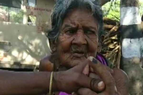 சூலூரில் தள்ளாத வயதிலும் வந்து வாக்களித்த 103 வயது மூதாட்டி!