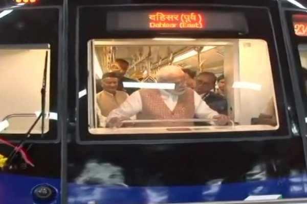 மெட்ரோ ரயிலில் பிரதமர் மோடி பயணம்!