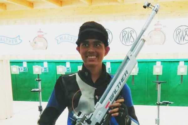 உலக துப்பாக்கிச் சுடுதல் சாம்பியன்ஷிப்: இந்தியாவின் ஹசாரிக்கா தங்கம் வென்றார்