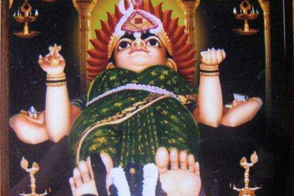 மன்னனை தண்டிக்க உருவெடுத்த மாசாணியம்மன்...!
