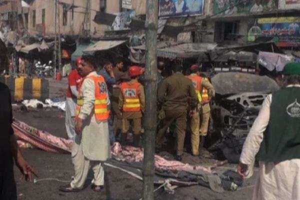 லாகூர் மசூதி அருகே குண்டுவெடிப்பு: 8 பேர் பலி; 25 பேர் படுகாயம்!
