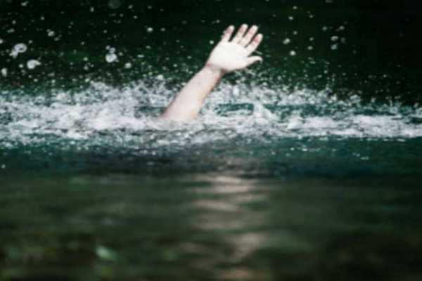 குஜராத்- ஆற்றில் குளித்த சிறுவன் உள்பட 3 பெண்கள் மூழ்கி சாவு!