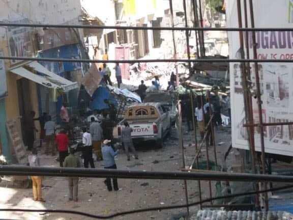 சோமாலியா ஷாப்பிங் மாலில் தீவிரவாதிகள் கார் வெடிகுண்டு தாக்குதல்: 9 பேர் பலி