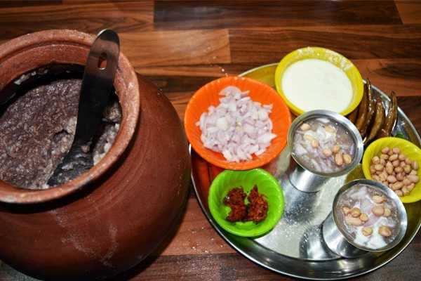 ஆடி ஸ்பெஷல்: உடலுக்கு குளிர்ச்சி தரும் கேழ்வரகு கூழ்