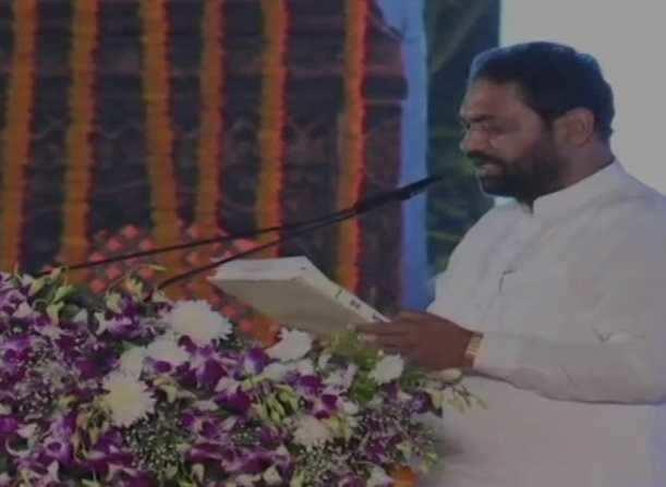 மகாராஷ்டிரா: 6 பேர் அமைச்சர்களாக பதவியேற்பு