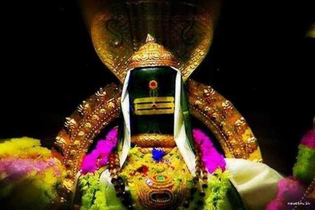 தினம் ஒரு மந்திரம் -  மங்களகரமான திங்கட்கிழமை – ஈசனை தியானியுங்கள்