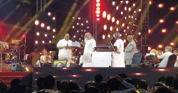 ஒரே மேடையில் இளையராஜா மற்றும் எஸ்.பி.பி; ரசிகர்கள் உற்சாகம்!