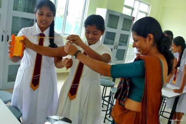 இலங்கை மாணவர்களுக்கு கல்வி உதவி வழங்கியது இந்தியா