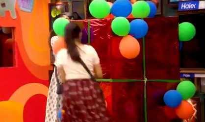 பிக் பாஸ் வீட்டிற்குள் நுழையும் சர்ச்சை கருத்துக்களுக்கு பெயர் போன நடிகை