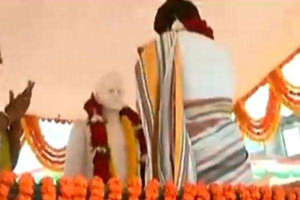முன்னாள் பிரதமர் லால் பகதூர் சாஸ்திரியை பிரியங்கா அவமதித்து விட்டார்: ஸ்மிரிதி இராணி