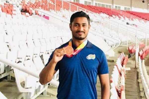 ஆசிய பாரா போட்டியில் இந்திய வீரருக்கு வெள்ளிப்பதக்கம்!