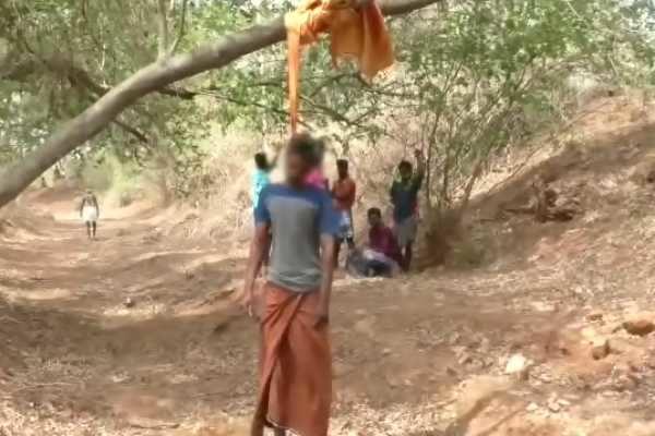 கொலை வழக்கில் ஆஜராக ஊருக்கு வந்த நபர் மரத்தில் தூக்கிட்டு தற்கொலை!