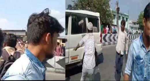 போலீசார் முன், இந்துக்களை தாக்கிய இஸ்லாமியர்கள் ! பகீர் வீடியோ!!