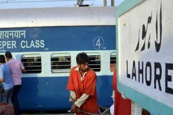 பாகிஸ்தான் வீராப்பு... இந்தியாவுடனான ரயில் சேவையை நிறுத்திக் கொள்கிறதாம்!
