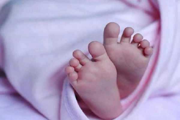 பிறந்து 15 நாட்களே ஆன பெண் குழந்தையை கொன்ற தந்தை கைது!