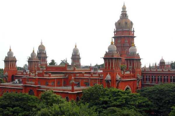 சென்னை உயர்நீதிமன்றத்தில் சேலம் ஆட்சியர் ரோஹணி ஆஜர்....!