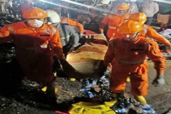 மஹாராஷ்டிராவில் அணை உடைந்து 6 பேர் பலி- 18 பேர் மாயம்