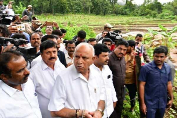கர்நாடகா கனமழை: பாதிப்புகள் குறித்து முதலமைச்சர் எடியூரப்பா நேரில் ஆய்வு!