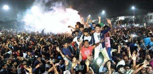 நள்ளிரவு புதுவருஷ பார்ட்டி! சென்னையில் 15,000 போலீசார் கண்காணிப்பார்கள்!