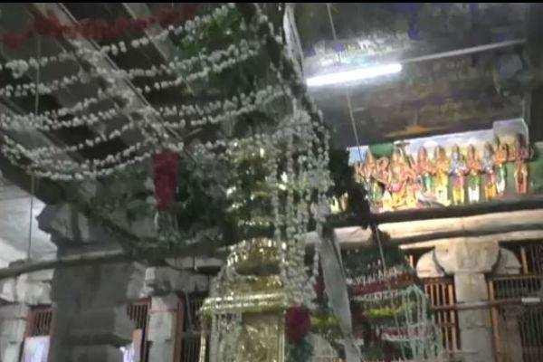 திருவாணைக்காவல் அகிலாண்டேசுவரி ஜம்புகேஸ்வரர் ஆலயத்தில் ஆடிபூர தெப்பத்திருவிழா துவக்கம்