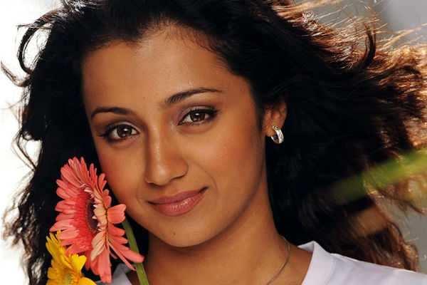 ஜெயலலிதாவாக நடிக்க ரெடி : த்ரிஷா பேட்டி