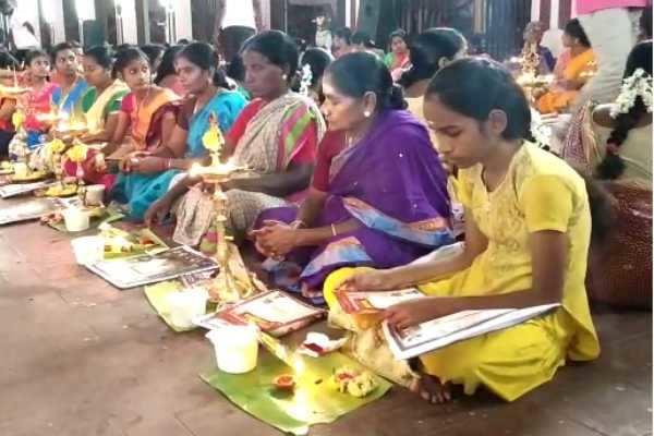 இயற்கை சீற்றங்களில் இருந்து பாதுகாக்க வேண்டி நடைபெற்ற சிறப்பு குத்துவிளக்கு பூஜை