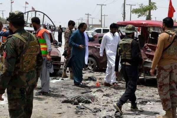 ஆப்கானில் குண்டுவெப்பு : 8 பேர் பலி