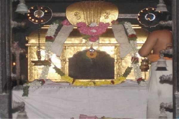 கார்த்திகை பௌர்ணமி - வருடத்தில் 3 நாட்கள் கவசமன்றி மூலவர் தரிசனம்