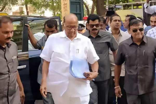 மகாராஷ்டிரா : கட்சி உறுப்பினர்களுடன்தேசியவாத காங்கிரஸ் கட்சி தலைவர் சரத் பவார் சந்திப்பு!!!