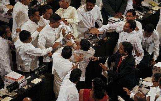 இலங்கை: சபாநாயகர் அறிவித்த நாடாளுமன்ற தெரிவுக்குழு வாக்கெடுப்பில் வெற்றி!