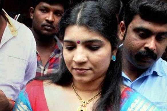 நடிகை சரிதா நாயரின் தண்டனை நிறுத்தி வைப்பு