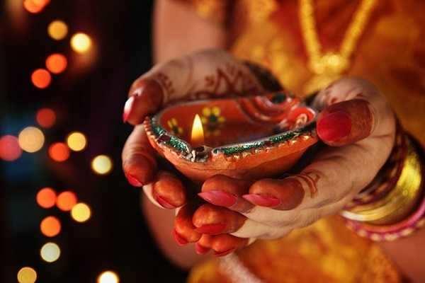 தீபாவளி ஸ்பெஷல் - திகட்டாத தலை தீபாவளி கொண்டாட்டங்கள்