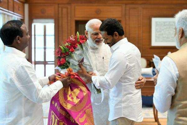 பிரதமர் மோடியை சந்தித்து வாழ்த்து பெற்றார் ஜெகன்மோகன் ரெட்டி!