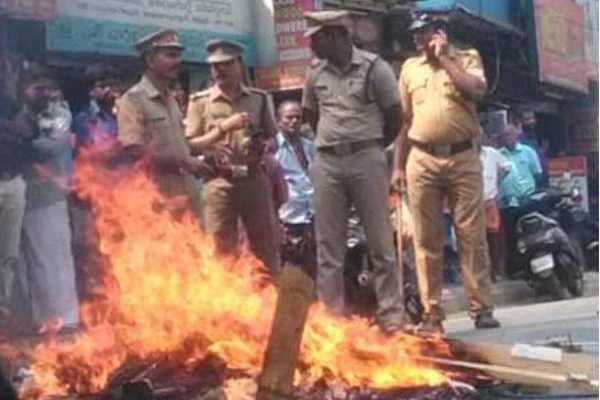 கேரள வன்முறை: 339 பேர் கைது