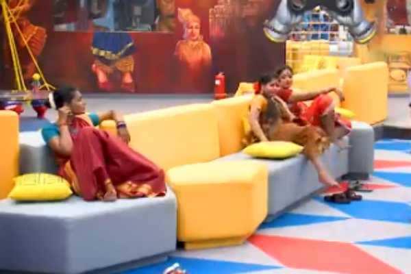 'டாஸ்க்'கில் உண்மைகளை போட்டுடைக்கும் போட்டியாளர்கள் : பிக் பாஸில் இன்று