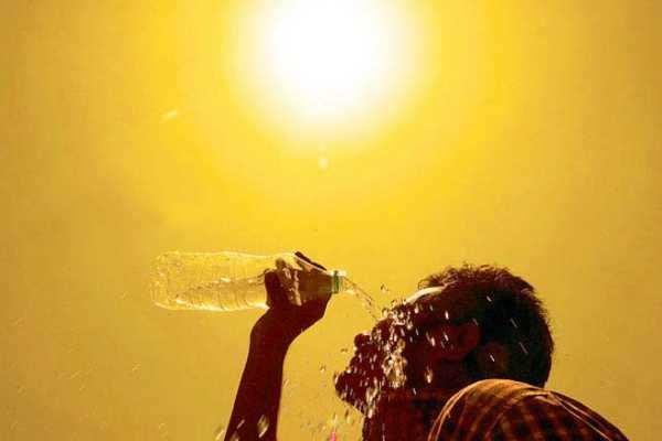அக்னி நட்சத்திரம் முடிந்தும் கொளுத்தும் வெயில்; பல இடங்களில் 100 டிகிரியை தாண்டியது!