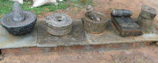 நவீன முறையில் மாவாட்டும் கல்....!