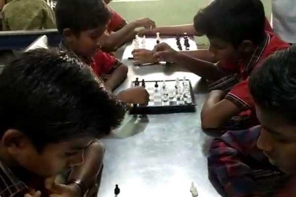 கும்பகோணம்: மாவட்ட அளவிலான சதுரங்க போட்டி!